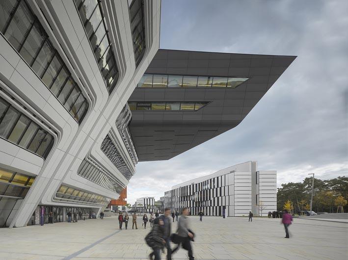 تحلیل معماری کتابخانه